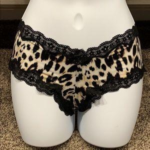 Brand new never worn Victoria's secret cheeky sz S